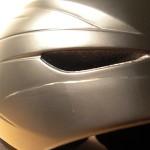 Kratzer im Helm